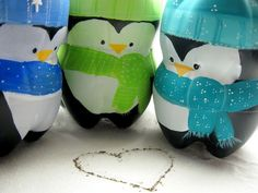 Adorable penguins and soooo easy!  All you need is soda bottles and paint!  You can add more accessories as you want! crafts
