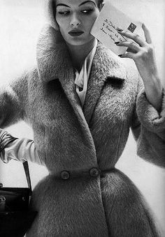 Marvelous fall and winter 1950s sartorial inspiration. #vintage #fashion #coat #1950s