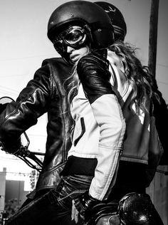 Moto babe