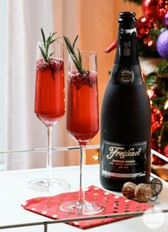 Louise Roe - Pomegranate Champagne  Easy!