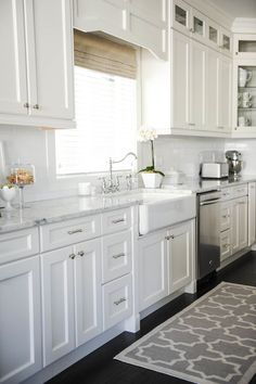 sink upper cabinet style, new houses, rug, upper cabinets, white cabinets, farm sinks, white kitchens, marbl