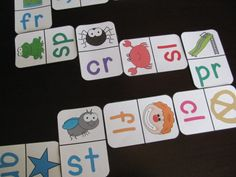 Beginning blends domino literacy station! Kids would love this!