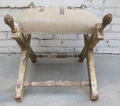 1stdibs.com | Carved Italian Painted Bench with Printed Burlap