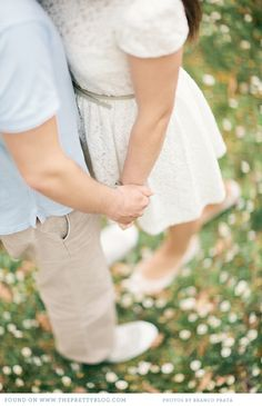 beautiful couple shoot on the pretty blog