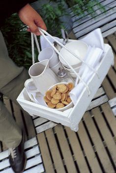 Handy!tray for drinks/food