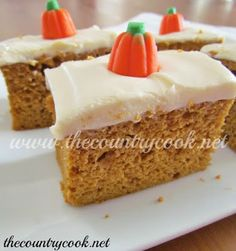 Fall Pumpkin Spice Cake Recipe |Perfect for Halloween! | www.thecountrycook.net