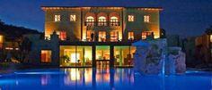 Adler Thermae En este hotel de la Toscana italiana se puede disfrutar de las aguas termales de Bagno Vignoni en un ambiente de lujo.