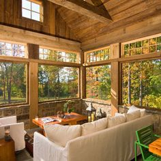 Family Room Design, lovely sun porch type space.