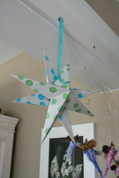 Hanging cardstock stars to craft!