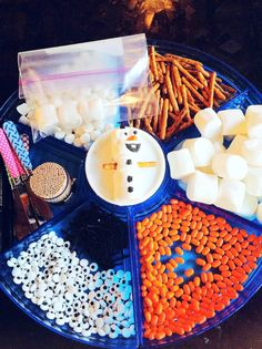 """Throwing a Frozen Birthday Party: Fun Kid's Craft, making Olaf out of marshmallows.  Perfect thing to do """"In summer"""""""
