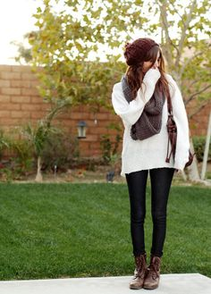 Outfit: Cozy, oversized sweaters and lace-up boots #VolvoJoyride