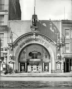 The Majestic Theatre, Woodward Ave.