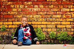 Great urban kid pose!! Photography by: https://www.facebook.com/KenneyPhoto