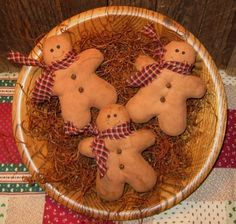 Primitive Painted Gingerbread Men Tucks Ornies Fillers