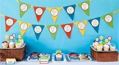 Crea un banderín temático para una fiesta Angry Birds con unas letras que has impreso en el ordenador - via www.fiestafacil.com / Create a thematic banner for your Angry Birds party with letters that you have printed out at home - via www.fiestafacil.com