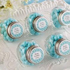 Edible Wedding Favors: Personalized favor jars