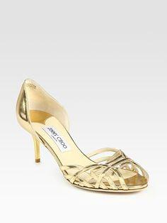Beautiful shoe with kitten heel!