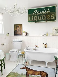 Inside editor Sarah Gray Miller's beautiful (and thrifty!) bathroom re-do: http://www.countryliving.com/homes/makeovers/budget-friendly-bathroom-makeover-tips