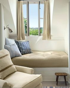 rustic window seat |