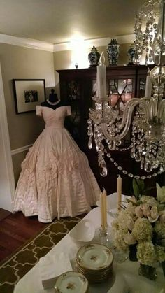 Celebrity weddings on pinterest celebrity weddings for Kelly clarkson wedding dress replica