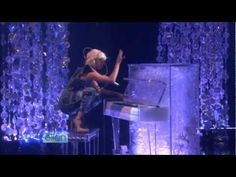✰ Lady GaGa - Poker Face (Live on Ellen)