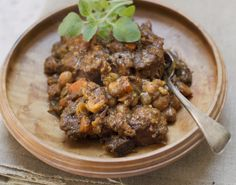 Slow Cooker Beef Stew With Chickpeas