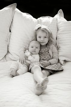 big sister - little sister newborn-photos