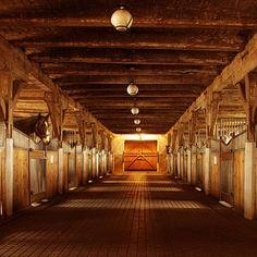 Rustic interior... ugh LOVE open box stalls!!!!