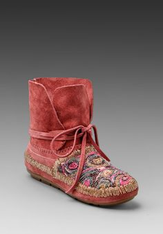 House of Harlow Mallory Moccasin in Pink ...Fun