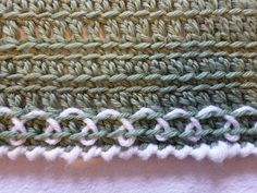 I have to try out this blanket edging!   #crochet #afghan #throw