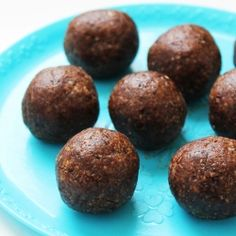No-Bake Gingerbread Bites - A perfect holiday sweet treat, made with ...