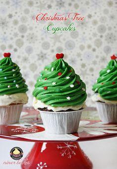 Christmas Wonderland Cupcakes by niner bakes