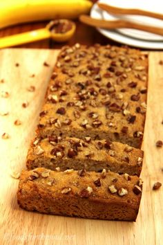 Pecan Banana Bread via @Amy [Foods for the Soul] -- it's gluten-free and clean-eating friendly! #glutenfree #banana #bananabread #recipe