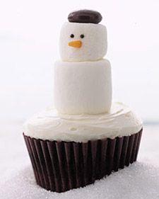 Adorable snowman cupcakes.