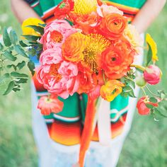 Olé! Fiesta wedding bouquet form @ninephotography.