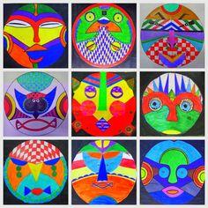 seleccion de mascaras africanas y trabajamos la simetria a partir de un circulo