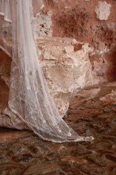 Vintage bridal wedding dresses