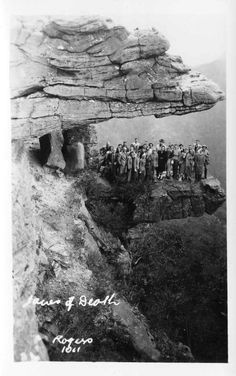The Jaws of Death, Grampians National Park (1947). State Library of Victoria.