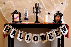 Love this table decorated for Halloween!