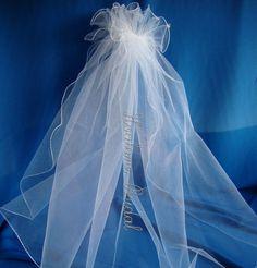 Veil Flower girl veil First Communion veil Bridal by Hoalanebridal #flowergirl #weddings