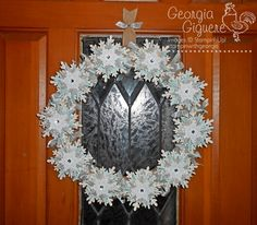 DIY wreath with Stampin' Up! Festive Flurry Ornament Kit!  Learn how to make this awesome wreath!