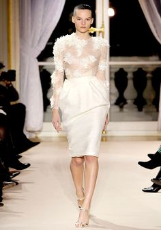 Giambattista Valli Spring 2012 Couture - Review - Fashion Week - Runway, Fashion Shows and Collections - Vogue - Vogue