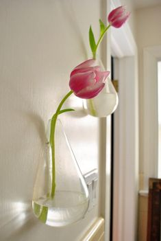 Cute floating vases