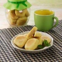 Resep Biskuit Kawi (Kacang Wijen) - Jika anda merupakan penggemar jenis olahan makanan berbahan dasar kacang, resep masakan yang akan kita bahas berikutnya bisa menjadi pilihan untuk anda. Makanan ini mungkin sudah sering anda dengar dengan berbagai macam varian jenisnnya . Dan hidangan yang akan kita buat tidak kalah enaknya dengan varian menu lainya yang tentunya akan memanjakan lidah para penikmatnya. Berikut Resep Biskuit Kawi (Kacang Wijen) kita simak selenkapnya.