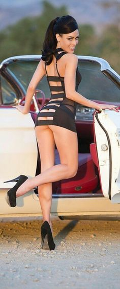 Naughty sexy dress !!! Legs are awesome!!