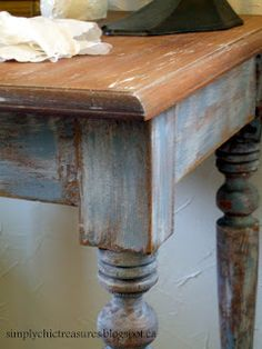 simply chic treasures: Milk Paint Again!  love the look of this painted table