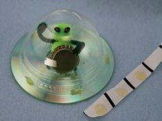 CD Alien Spaceship   Sophie's World