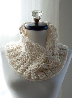 knit scarv, cowl pattern, lace cowl, pavo lace, knit cowl