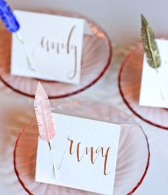 Easy crafty ideas for an extra-special special day - so pretty <3 Make gorgeous feather #placecards for your #wedding  #DIY http://www.planyourperfectwedding.com/article/decorations/wedding-diy-feather-place-cards