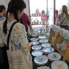 10 Tips to Get More People into Your Booth at Summer Shows | Create & Thrive market idea, booth display, summer, creat thrive, craft fair, renegad craft, craft booth, soap display, people